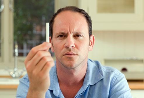 سیگار باعث تسریع الگوی ریزش موی مردانه میشود