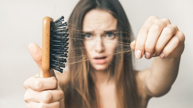 علل ریزش مو در نوجوانان