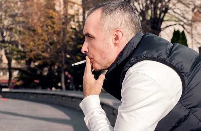 دلایل عمده ریزش مو در افراد سیگاری و روش های جبران آن