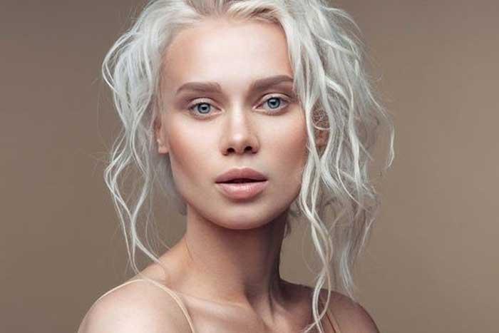 علائم کمبود ویتامین B12: وضعیت موی شما نشانگر کمبود این ویتامین است