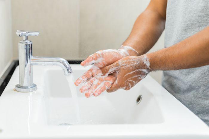 شستشوی دست در اگزما