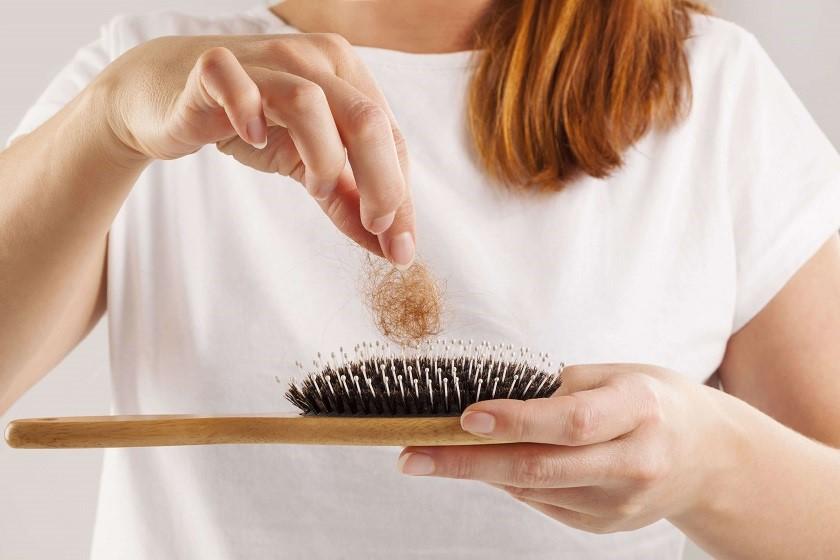 علت ریزش مو در تابستان چیست؟